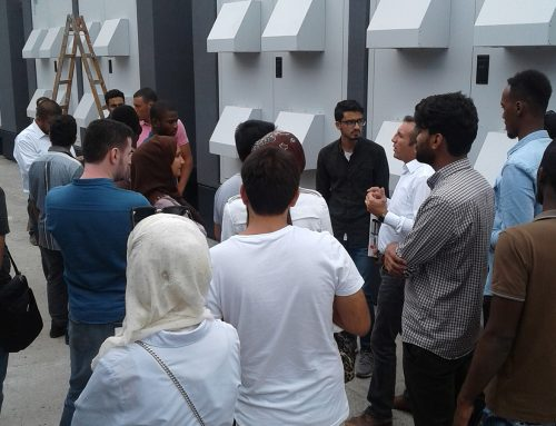 A Visit by Foreign Students to Our Factory